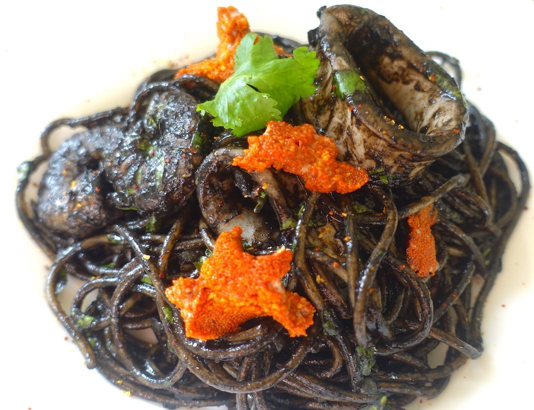 Black seafood spaghetti recipe