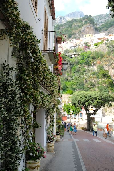 Narrow streets of Positano