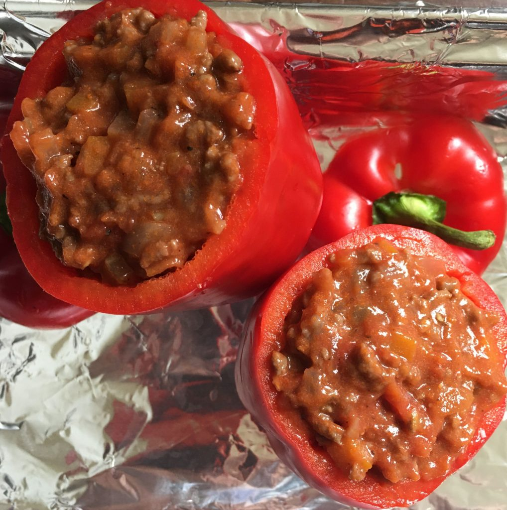 Bell peppers stuffed with meat ragu