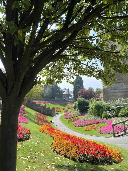 Flowers, castle, gardens