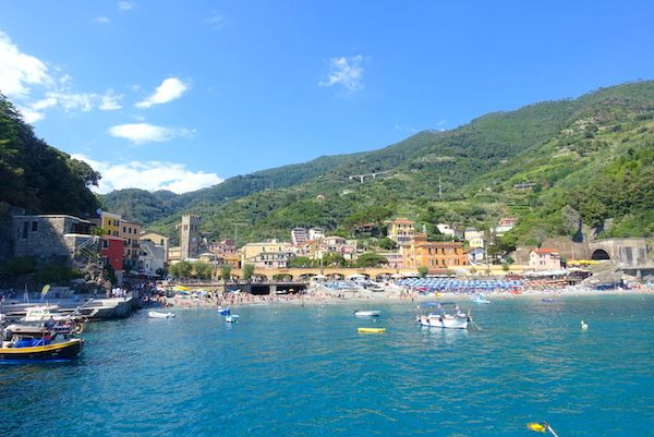beach-old-town-monterosso-c-2