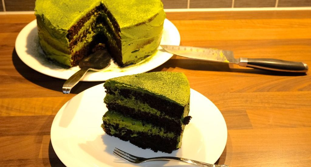 Dark Chocolate & Matcha Cream Cake
