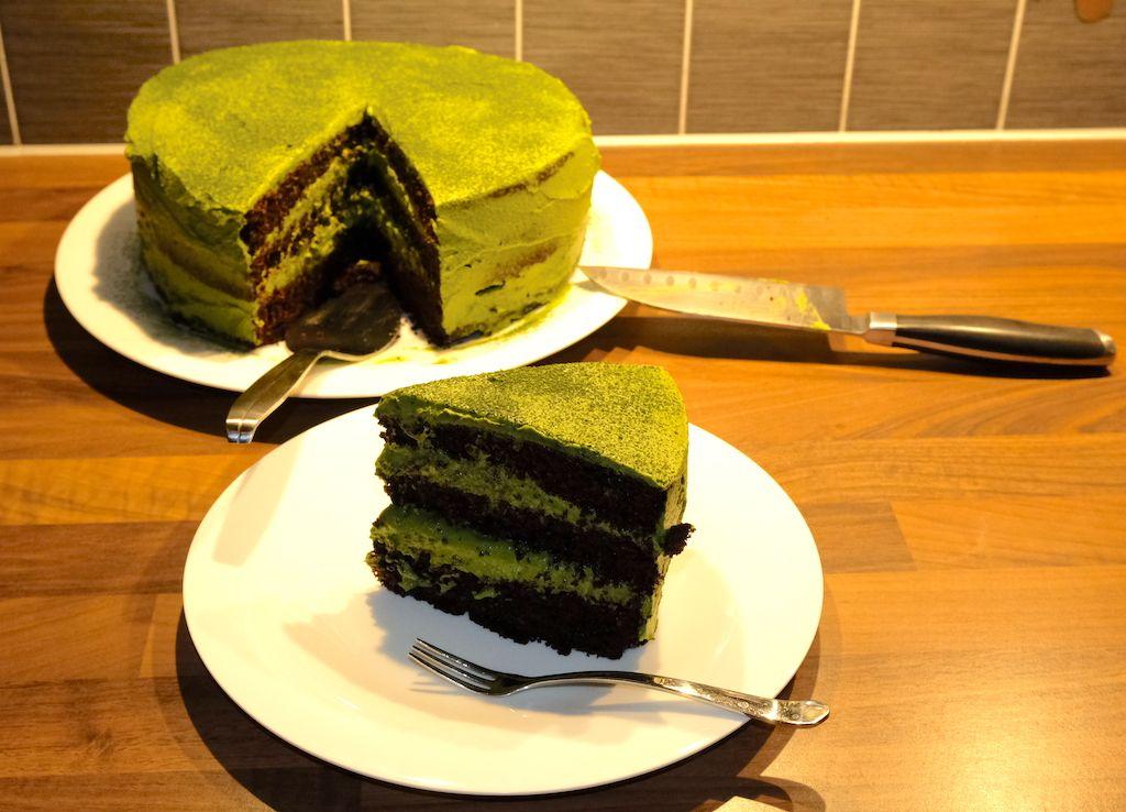 Dark Chocolate & Matcha Cream Cake