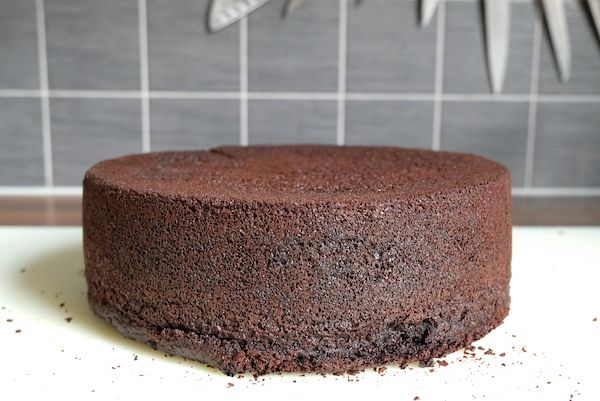 dark chocolate sponge cake